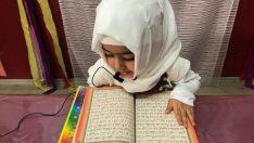 Minik Eller Artık Kur'an Taşıyor